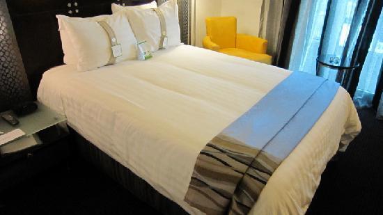 Holiday Inn Santo Domingo: Pretty comfortable bed
