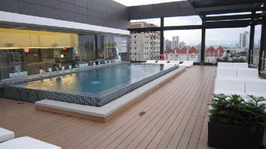 Holiday Inn Santo Domingo: 8F pool