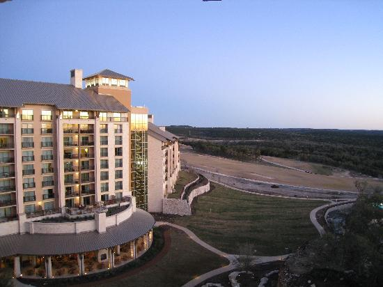 JW Marriott San Antonio Hill Country Resort & Spa: Sunrise from our balcony
