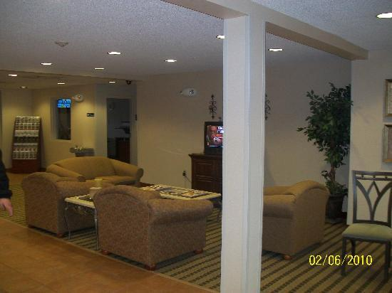 Microtel Inn & Suites by Wyndham Tunica Resorts: Lobby