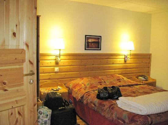 Hotell Edstrom: Sängen