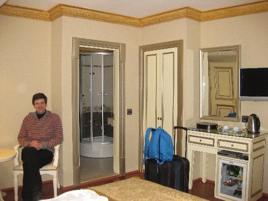 Maywood Hotel: Room from street facing window in room 304