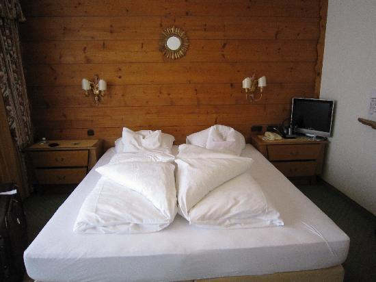 Hotel Arlberg Stuben: Very comfy king size bed