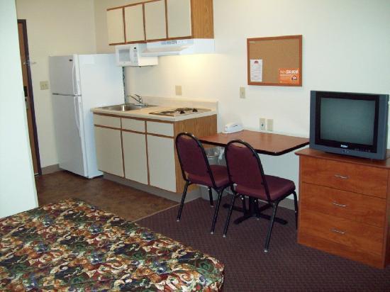 Value Place Phoenix, Arizona (Peoria): Kitchen