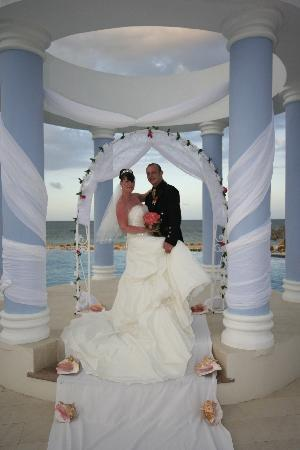 Iberostar Rose Hall Suites: Just married