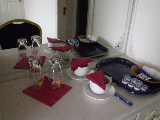 Balcony House Bed & Breakfast: little desk