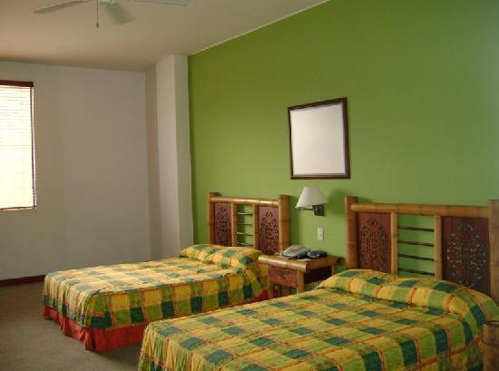 Armenia Hotel : habitación