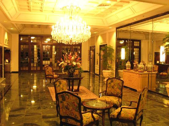 Sea View Hotel: Elegant Lobby
