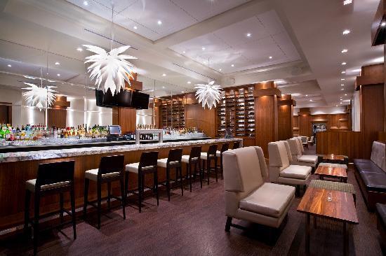Hotel Rialto: Veneto Tapa Lounge in the Hotel