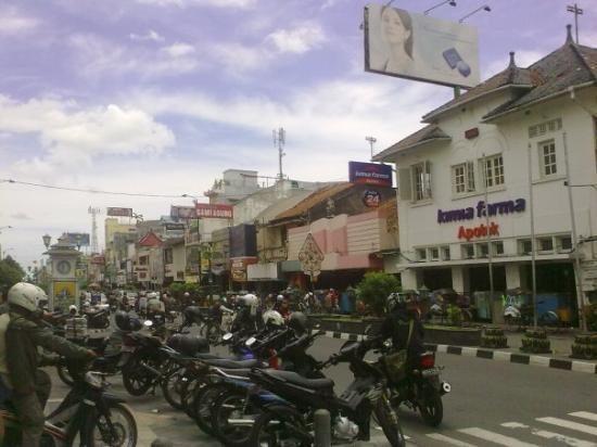 Malioboro Road: malioboro street