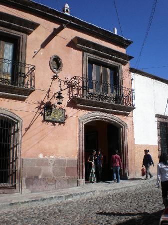 Parador San Sebastian: front of hotel