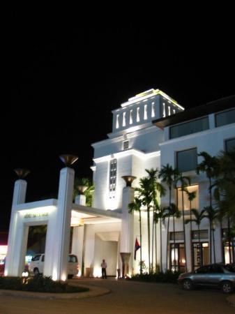 โรงแรม เดอ ลา เพซ์: Dammmm nice ....Dammmm expensive