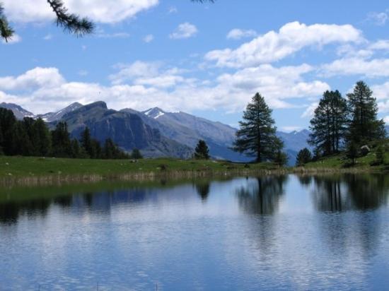 Seyne les Alpes, France: lac du col bas
