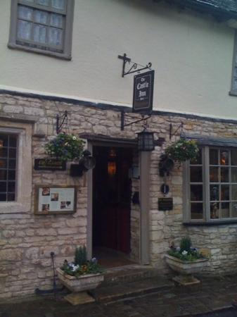 Castle Combe, UK: Castle Inn. Definitely a pub for tourists, as it's way too expensive to be the local pub.