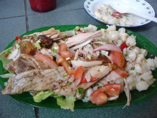 Riobamba, Ekuador: mi comida favorita... hornado @ La Merced market
