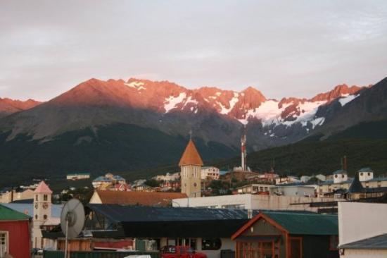 Glacier Martial: Ushuaia Sunrise, Tierra del Fuego.