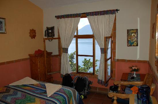 La Casa del Mundo Hotel: Our room