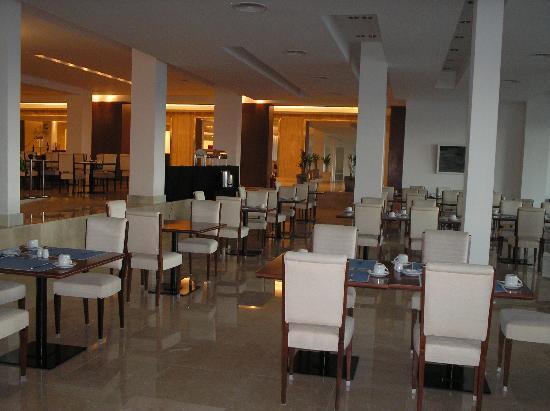 NH Gran Hotel Provincial: restaurant desayunador