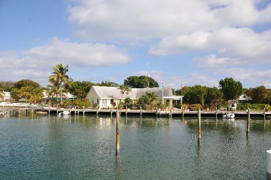 Green Turtle Cay: GTC Main Building (front desk / gift shop / dining room) As Seen From Dock