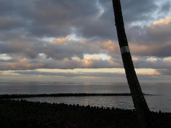Menehune Shores: Sunrise from lanai
