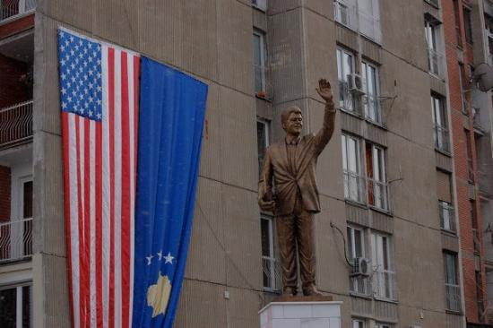 Pristina, Kosovo: Bill Clinton Boulevard