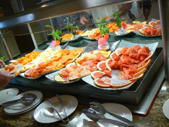 Holiday Inn Cancun Arenas: Buffet matin3