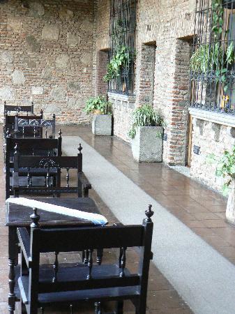 Hotel Posada de Don Rodrigo: Devant les chambres