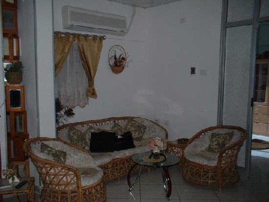 Sara Guardian Hotel: Sitting Room