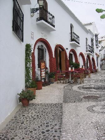 Hotel Riu Monica: Street in Frigliana