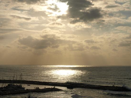 Hilton Tel Aviv: look off of hotel balcony