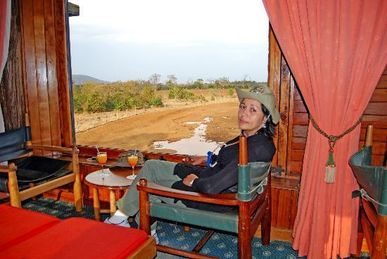 Aberdare National Park, Kenya: quizás lo mejor: las vistas desde el pequeño bar del hotel