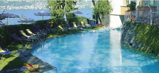 Vira, Ελβετία: Bellavista Hotel Swimmingpool