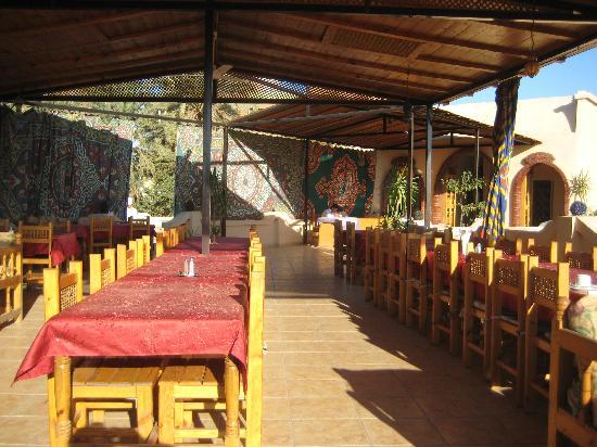 El Nakhil Hotel & Restaurant: restaurant