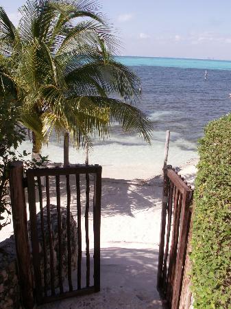 Casa Bonita and Villas: View of the beach from Casa Bonita