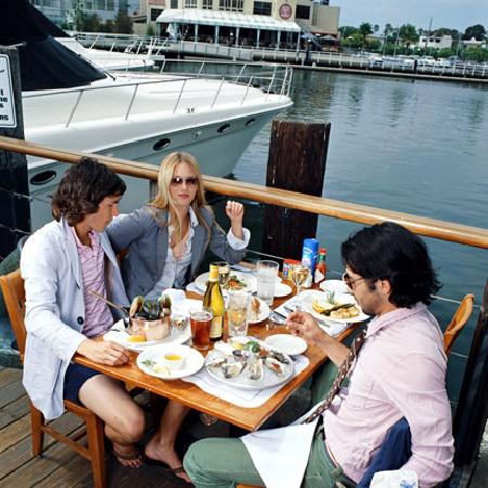 Bluewater Grill Seafood Restaurant Oyster Bar Waterfront Dining At Newport Beach