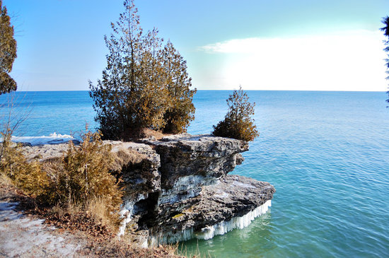 Ephraim, WI: Cave Point County Park, wintertime