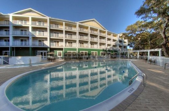 Hampton Inn & Suites Jekyll Island: Pool Area
