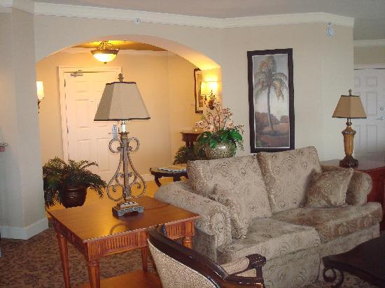 Rosen Shingle Creek: Entry Way nad part of Living Room
