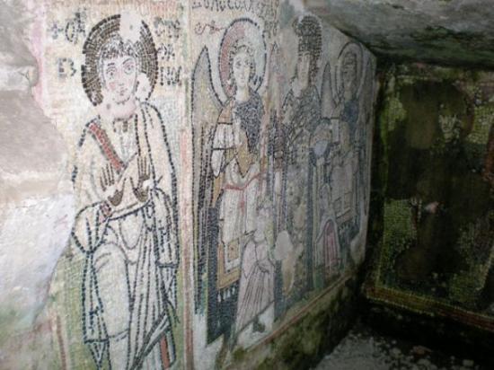 Durres, Albania: Drac, anfiteatar, hodnici