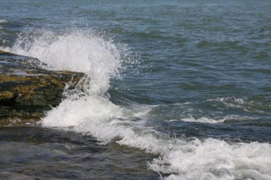 Marblehead, OH: Lake Erie - Waves crash upon the rocks.