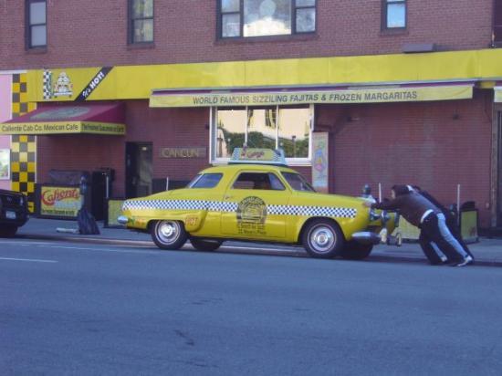 Greenwich Village: en panne --> allé on pousse COURAGE plu ke 2avenu a traversé ahahah (rir sadik)