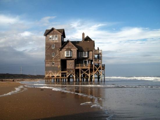 "Rodanthe, นอร์ทแคโรไลนา: Ahhhhhh........the ""Old Soldier""!!!!!!!!!!!! This is the house where the movie ""Nights in Rodant"