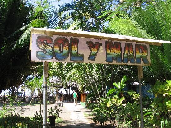 Sol y Mar: Entrance Way