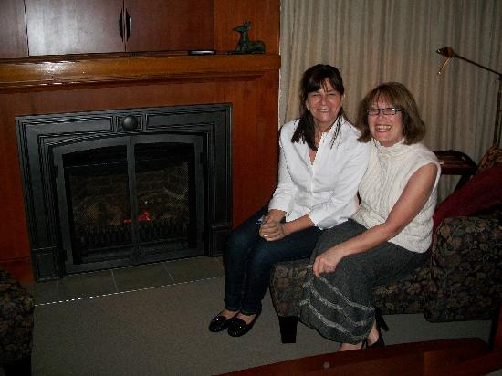 ThistleDown House: Jackie y Ruth