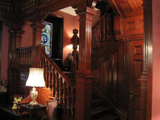1884 Wildwood Bed and Breakfast Inn : their gorgeous staircase