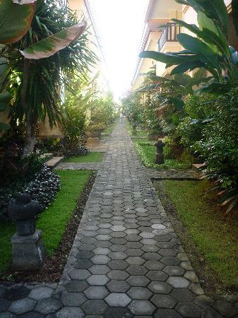 Pelangi Bali Hotel: between rooms
