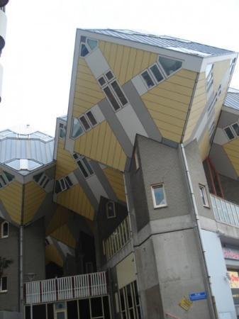 Kijk-Kubus (Show-Cube): Cubic Huis, Rotterdam October 2009