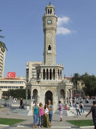 Saat Kulesi (Clock Tower): Clock tower in Konak