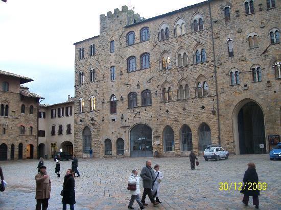 Albergo Nazionale: Piazza dei Priori