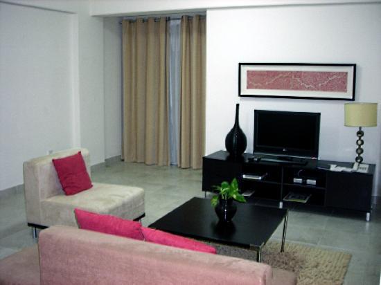 Midan Hotel Suites, Muscat : Living room (room 34)